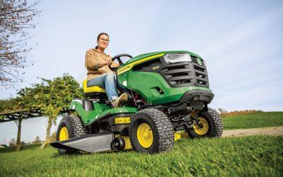 John Deere updates ride-on mowers for 2021
